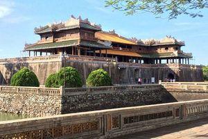 Ðức hỗ trợ phục hồi bình phong, non bộ, cổng điện Ðại nội Huế