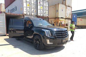 'Khủng Long' Cadillac Escalade màn hình TV 48 inch chuẩn bị cập bến Việt Nam