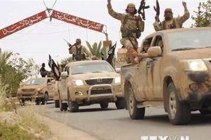 IS phản công đẫm máu ở Đông Syria, hơn 30 người thiệt mạng