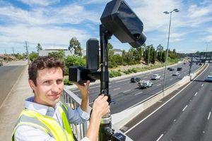 Australia bắt đầu dùng camera phát hiện lái xe sử dụng điện thoại