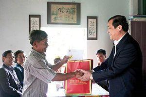 Quảng Nam: Đấu thầu mua quà Tết thăm hỏi người có công