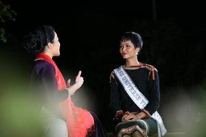 Hoa hậu H'Hen Niê về quê lần 2, mong muốn thực hiện dự án nước sạch và thư viện