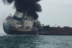 Tàu gắn cờ Việt Nam bốc cháy ngoài khơi Hồng Kông, 1 người thiệt mạng