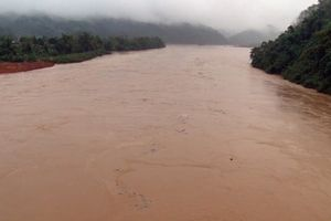 Lào Cai: Sông Hồng xuất hiện lũ lớn chưa từng có giữa mùa đông