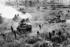 Tăng chủ lực Khmer Đỏ tan tác dưới xích thép T-54 Việt Nam như thế nào?