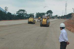 Gần 16.000 km quốc lộ quá hạn sửa chữa do thiếu vốn