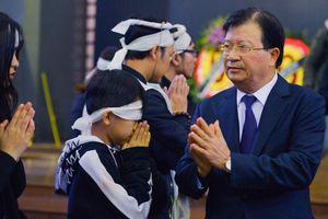 Phó thủ tướng Trịnh Đình Dũng viếng nhạc sĩ Nguyễn Trọng Tạo