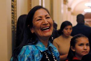Nữ nghị sĩ gốc thổ dân đầu tiên phục vụ trong Hạ viện Mỹ