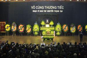 Dòng người đội mưa, rét tiễn đưa nhà thơ - nhạc sĩ Nguyễn Trọng Tạo