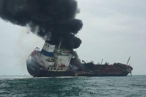 25 thuyền viên người Việt trên tàu dầu bốc cháy tại Hồng Kông