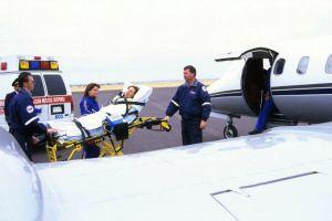 Chuyên cơ y tế đưa 3 du khách vụ đánh bom Ai Cập về nước
