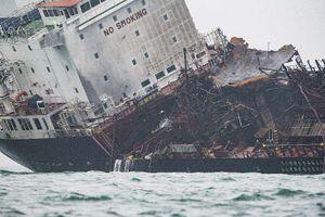 Hé lộ nguyên nhân khiến tàu Việt Nam bùng cháy ở Hong Kong, 2 người vẫn mất tích