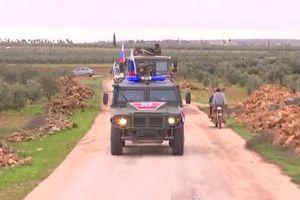 Hình ảnh lính Nga tuần tra mặt trận Manbij sau khi Mỹ tuyên bố rút quân