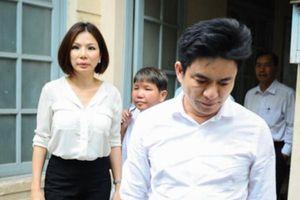 Bác sĩ Chiêm Quốc Thái yêu cầu TAND TP.HCM đình chỉ vụ án ly hôn