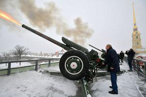 Tổng thống Putin tiết lộ từng là trung úy đơn vị pháo binh