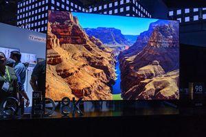 Cận cảnh TV 8K màn hình lớn nhất thế giới 98 inch của Samsung