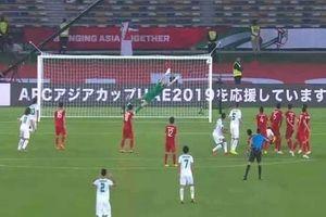 Hai cựu thủ môn ĐTVN nói gì về tình huống Văn Lâm để thua ở cú đá phạt?
