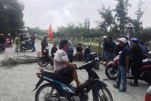 Điện Bàn (Quảng Nam): Doanh nghiệp bê tông gây ô nhiễm môi trường, dân bức xúc chặn đường đi