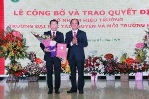 Công bố và trao Quyết định bổ nhiệm Hiệu trưởng Trường Đại học TN&MT Hà Nội