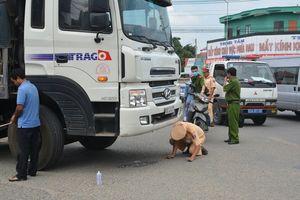 Nam sinh lớp 10 bị xe tải cán tử vong khi đang trên đường đi học