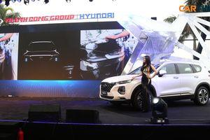 Hyundai Santa Fe 2019 ra mắt giá từ 995 triệu đồng, sẵn sàng cạnh tranh Ford Everest