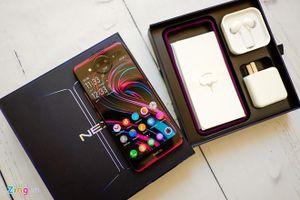 Trên tay smartphone 2 màn hình Vivo Nex 2 mới tới Việt Nam