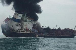 Nỗ lực tìm kiếm 2 thuyền viên mất tích trong vụ chìm tàu ngoài khơi Hong Kong