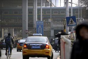 Đoàn tàu chở Nhà lãnh đạo Triều Tiên Kim Jong-un rời Bắc Kinh