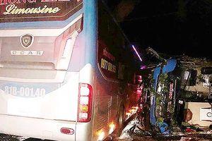 2 xe khách tông liên hoàn, 14 người bị nạn