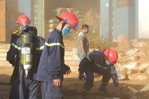Cháy kho hàng ở gần cửa khẩu huy động 200 người cứu hộ