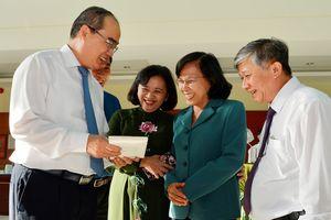 Bí thư Thành ủy TPHCM Nguyễn Thiện Nhân: Tăng cường dự báo và truyền thông kịp thời