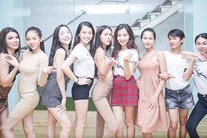Dàn mỹ nhân chuyển giới của The Tiffany Việt Nam khoe mặt mộc xinh đẹp