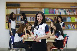 Thí sinh Miss UEF rạng rỡ trong trang phục đến trường