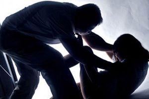 Bị tố cáo cưỡng dâm nữ hiệu phó, hiệu trưởng kêu oan