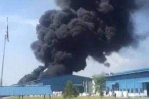 Cháy nhà xưởng sản xuất đệm giữa trưa, thiệt hại hàng chục tỷ
