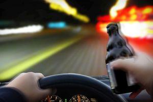 Uống rượu lái xe, phạt tù hoặc bắt lao động khổ sai cũng đáng