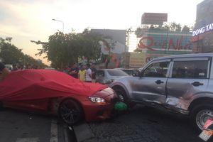 Tài xế BMW hành động lạ sau khi đâm hàng loạt ôtô, xe máy