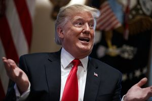 Tin ảnh: Ông Trump thể hiện thái độ trên Twitter