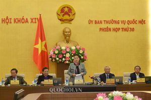 Bế mạc phiên họp thứ 30 của ủy ban Thường vụ Quốc hội