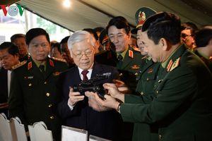 Tổng Bí thư: 'Không để tiêu cực, tệ nạn xâm nhập vào nội bộ Quân đội'