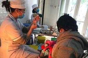 Chỉ tiến hành tiêm chủng khi cán bộ y tế được tập huấn, có kỹ năng về xử trí cấp cứu