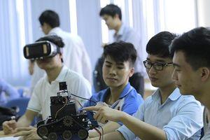 Nhiều trường đại học tuyển sinh ngành mới, dạy bằng tiếng Anh