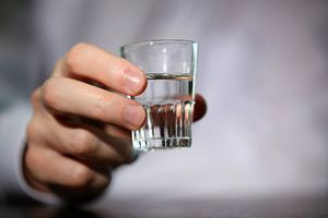 Cách kiểm tra rượu có chứa methanol