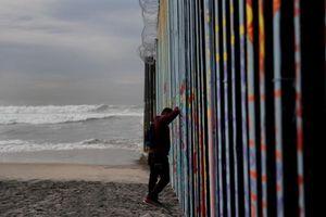 Cận cảnh biên giới Mỹ-Mexico, vấn đề khiến chính phủ Mỹ điêu đứng
