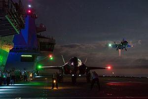 Anh đưa tiêm kích hạm F-35B lên bờ không kích phiến quân