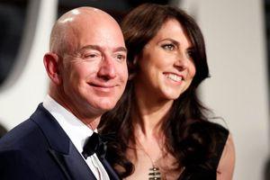 Nữ MC bị nghi khiến tỉ phú giàu nhất thế giới ly dị vợ