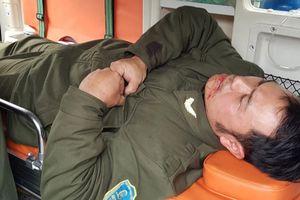 Ngăn cò taxi 'dù', nhân viên an ninh hàng không Nội bị đánh gãy 4 răng
