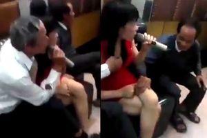 Các ông già sàm sỡ nữ tiếp viên karaoke còn quay clip đăng Facebook