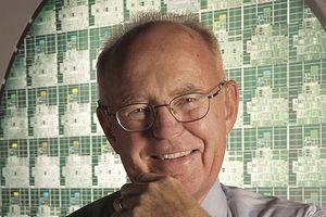 Giám đốc điều hành NVIDIA: 'Định luật Moore đã không còn đúng nữa'