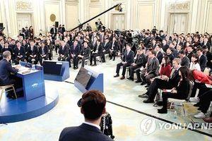 Tổng thống Hàn Quốc trăn trở chuyện kinh tế và Triều Tiên